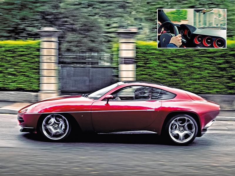 Der Alfa Romeo Disco Volante by Touring im Seitenprofil