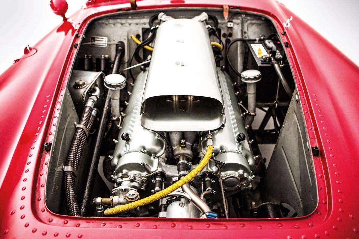 12-Zylinder Motor des Ferrari 375 Plus Spider Corsa