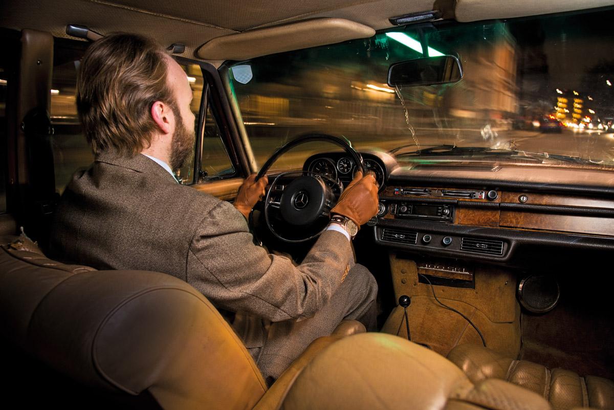 Cockpit des Mercedes-Benz 300 SEL