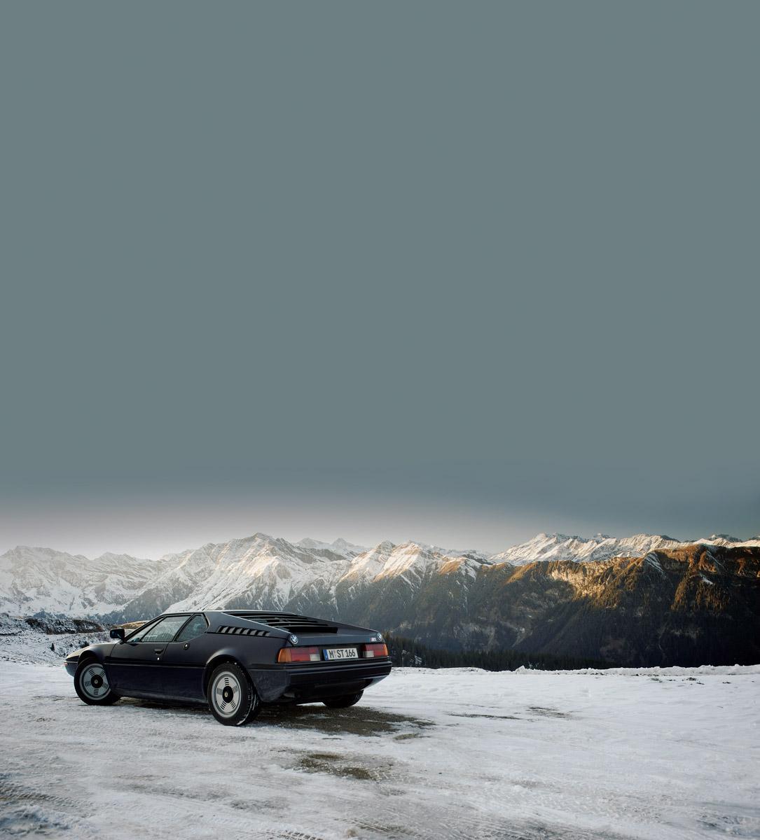 BMW M1 vor Alpenpanorama