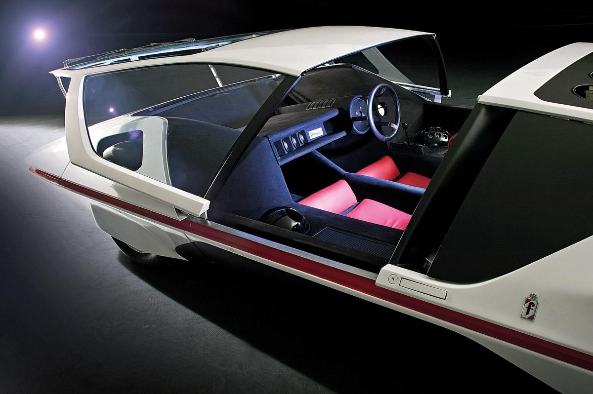 Cockpit des Pininfarina Modulo