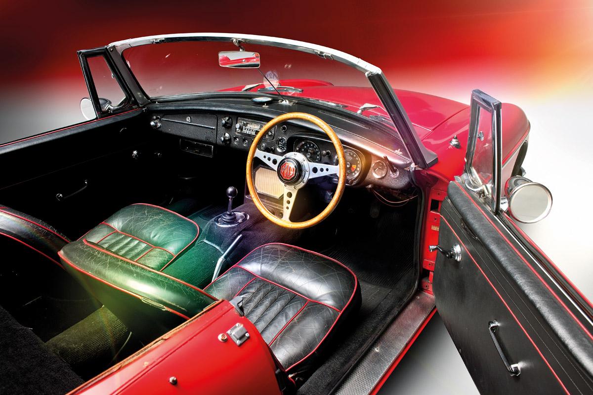 Cockpit des MGB