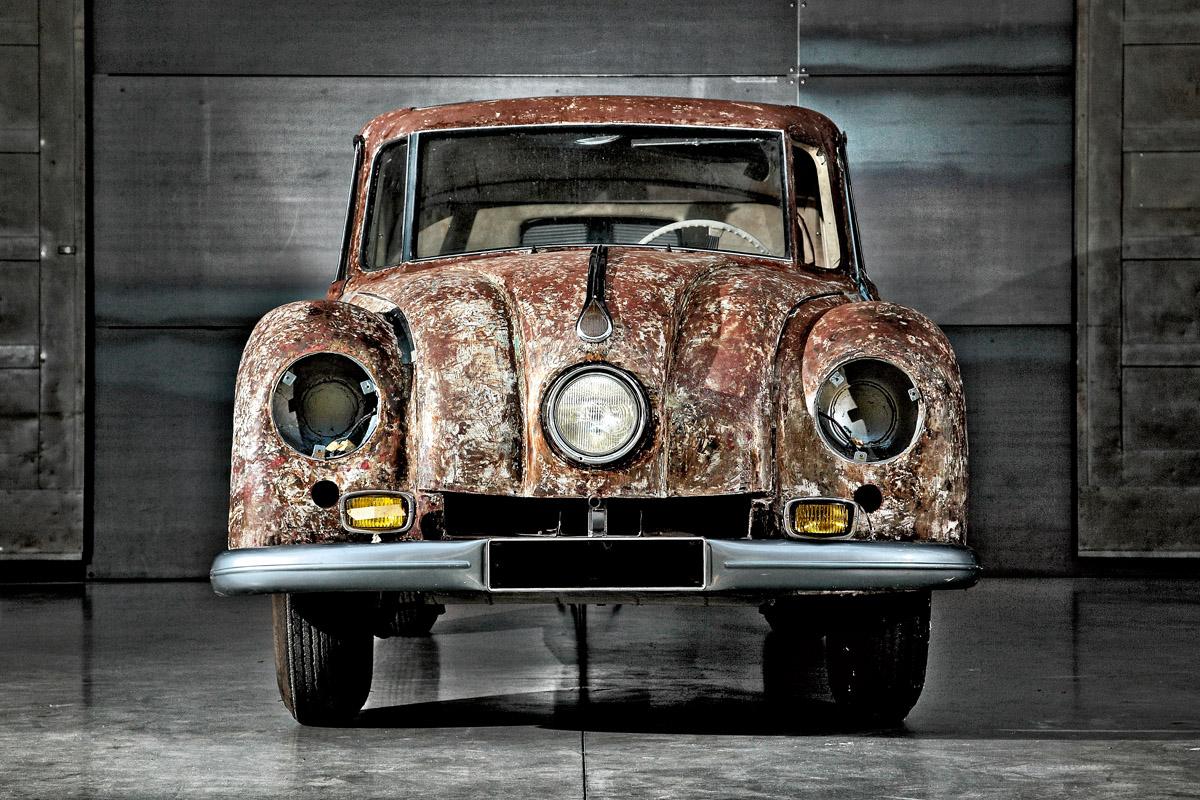 Tatra T87 frontal