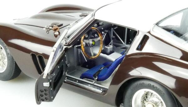 octane-magazin-shop_modelcars-m-156-30