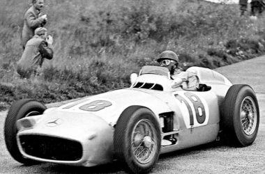 Juan Manuel Fangio bei einem Rennen