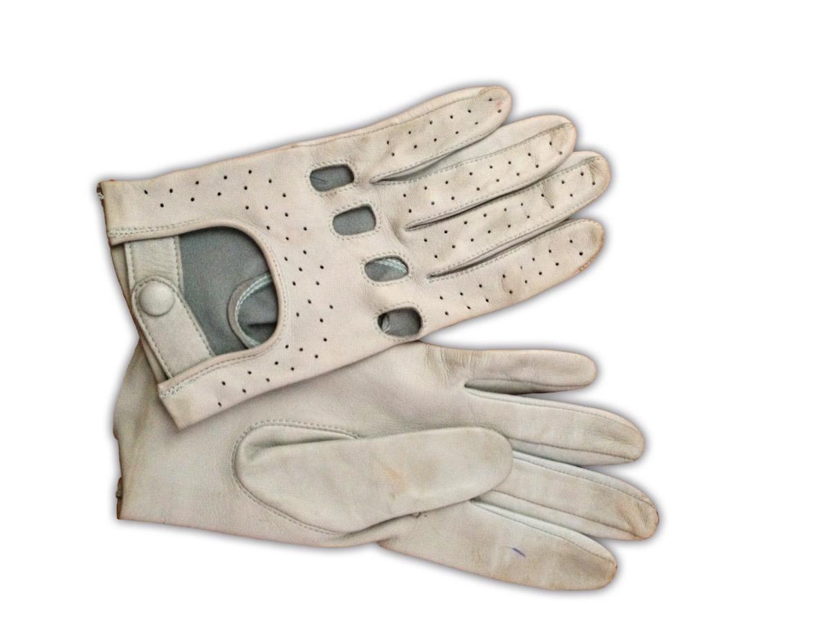Weiße Lederhandschuhe