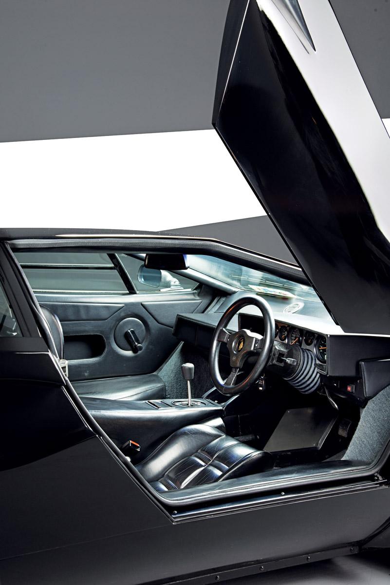 Cockpit des Lamborghini Countach