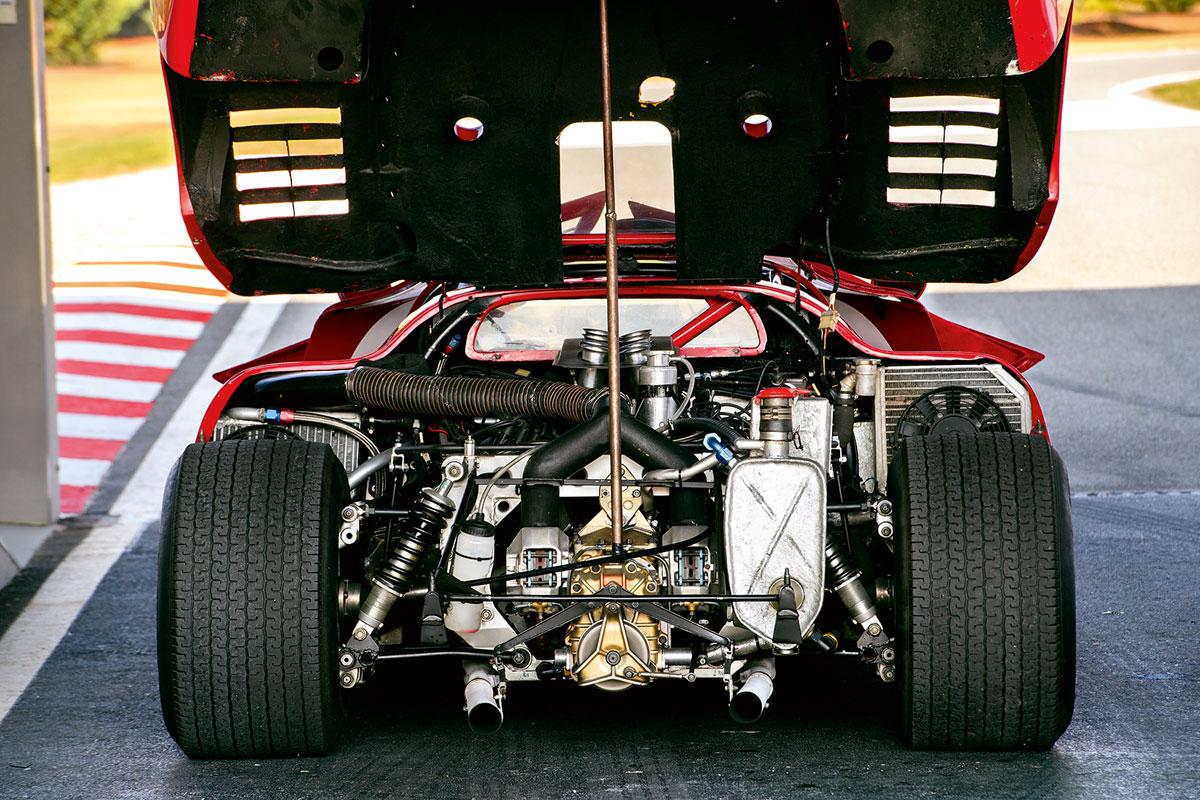 #38, Alfa Romeo, Tipo 33 T12, Marken-WM, Derek Bell, Arturo Merzario, Nanni Galli