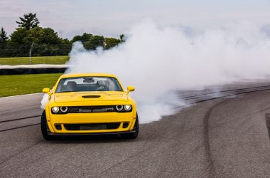 #46, Musclecar, Dodge, Challenger, SRT, Hellcat, V8-Motor, Ford Mustang, 800 PS, Burnout