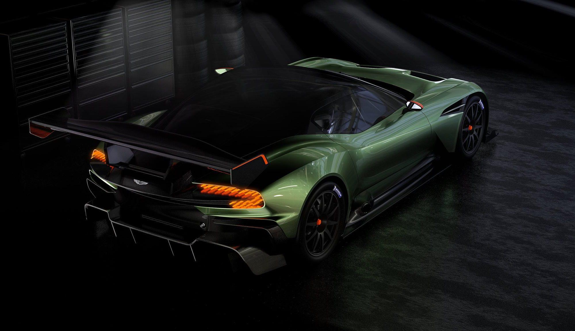 Aston Martin Vulcan aus verschiedenen Perspektiven