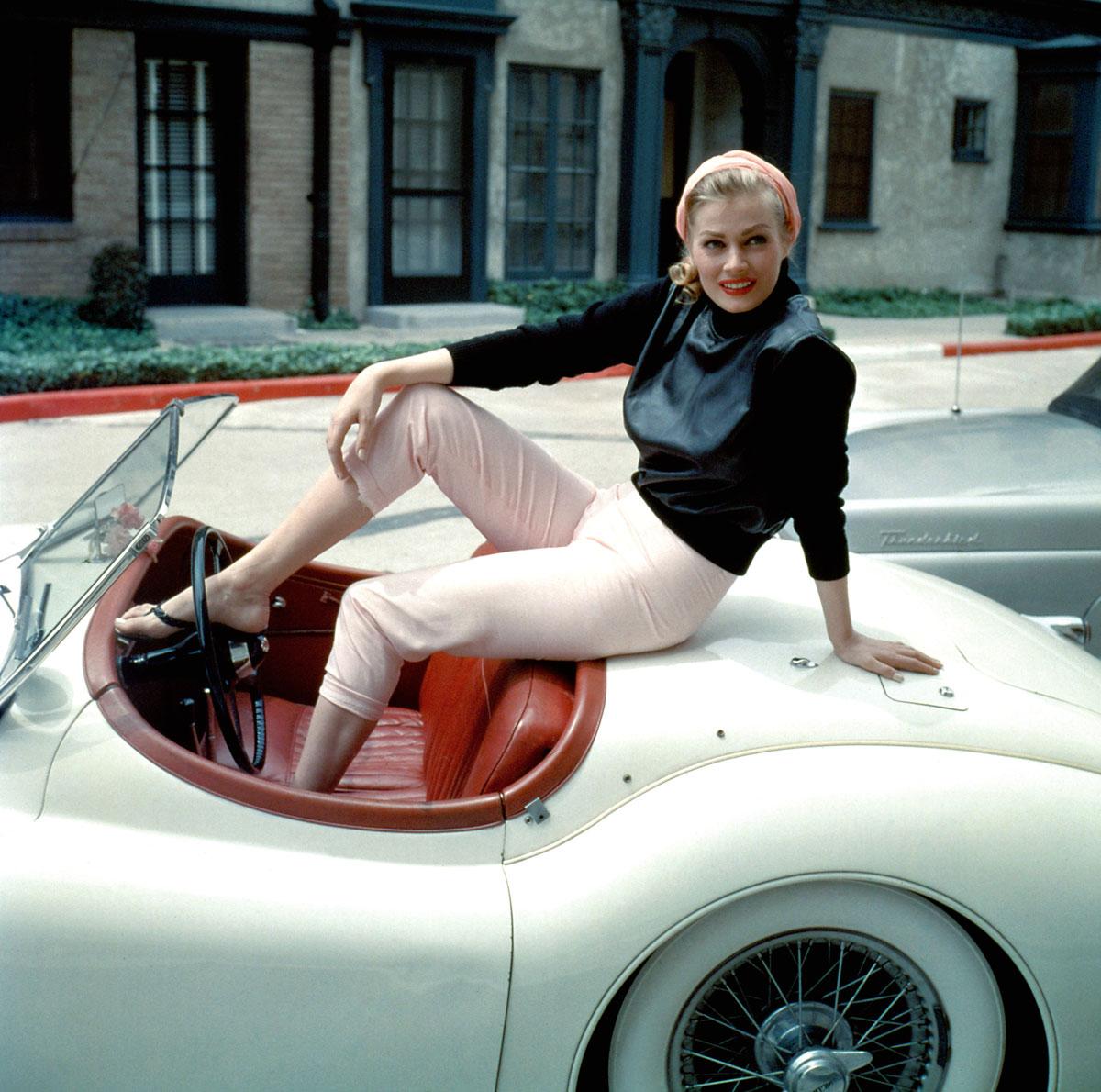 #31, Jaguar, XK 140, Anita Ekberg