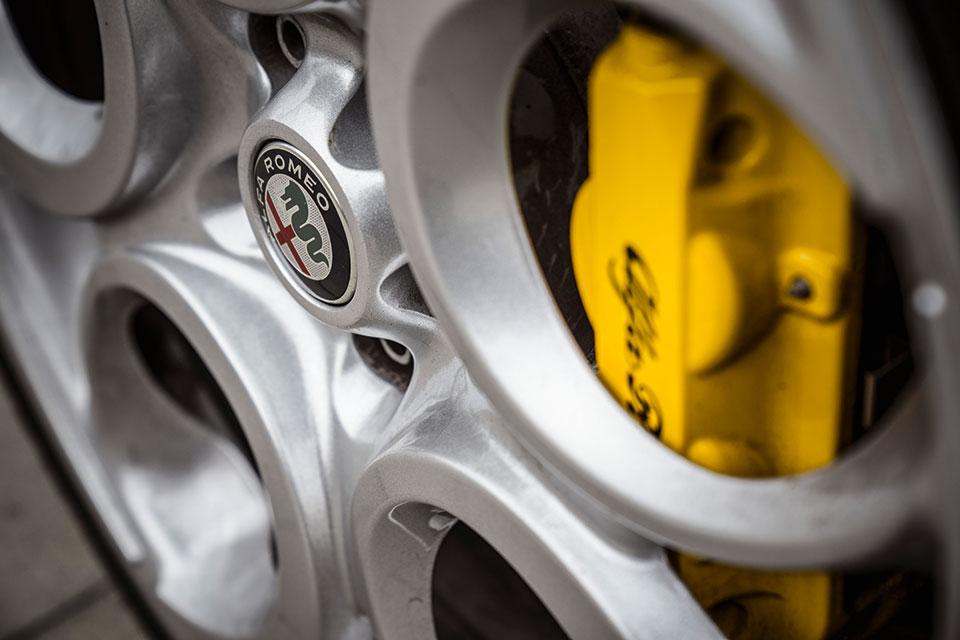 #40, Alfa Romeo, 4C, Fahrmaschine