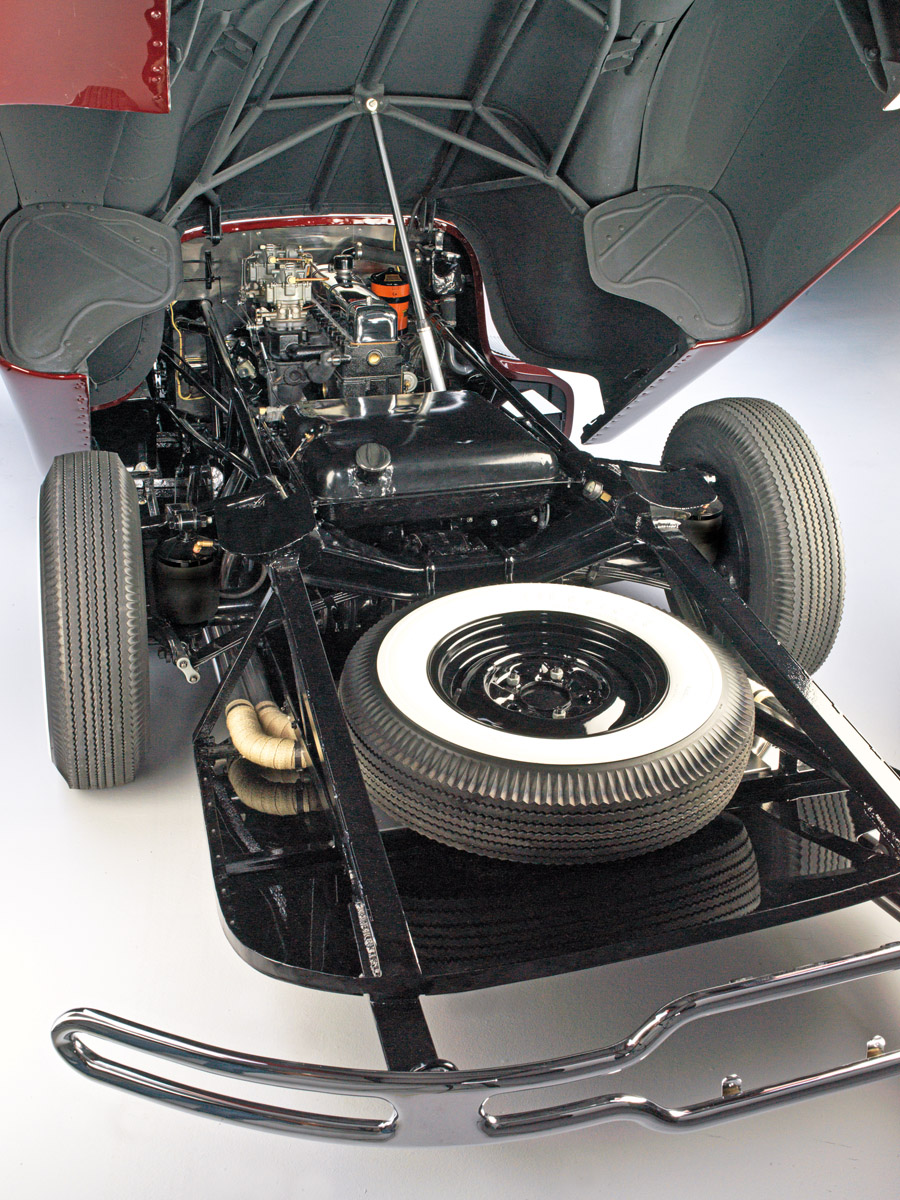 Blick auf Motor, Tank und Reserverad des Timbs Special
