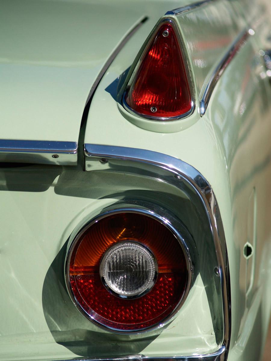 Borgward P100 Heck und Detail der Rückleuchte