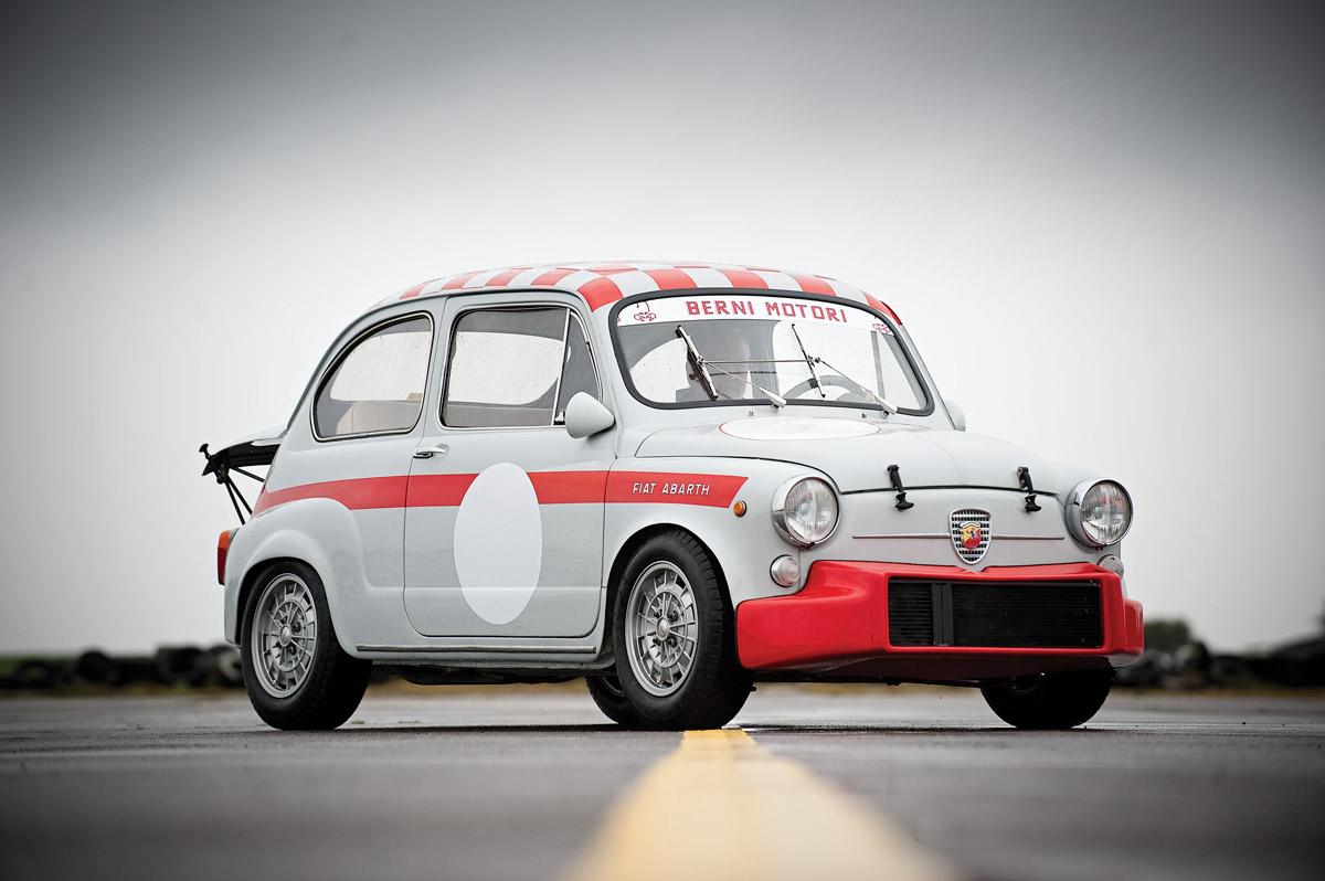 Fiat 600 Abarth stehend