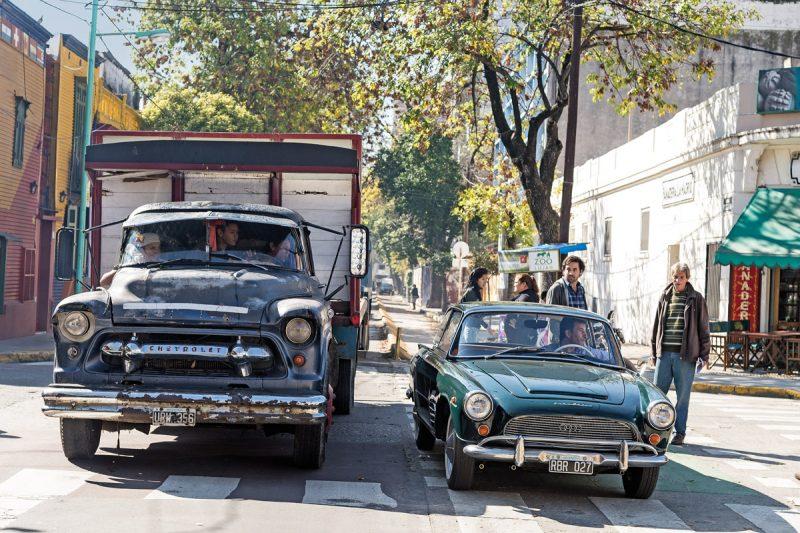 DKW Fissore an einer Kreuzung in Buenos Aires