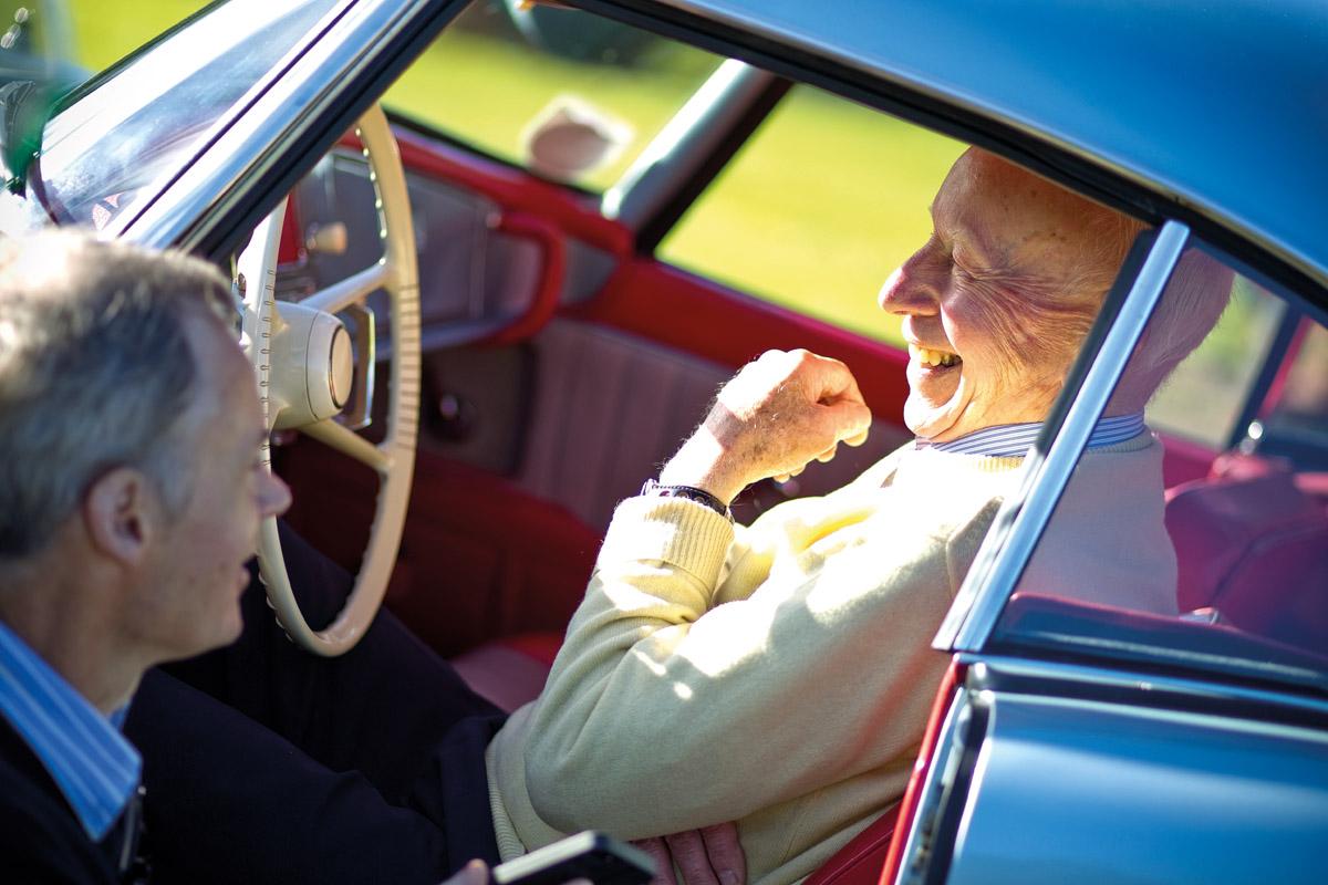 John Surtees in seinem BMW 507