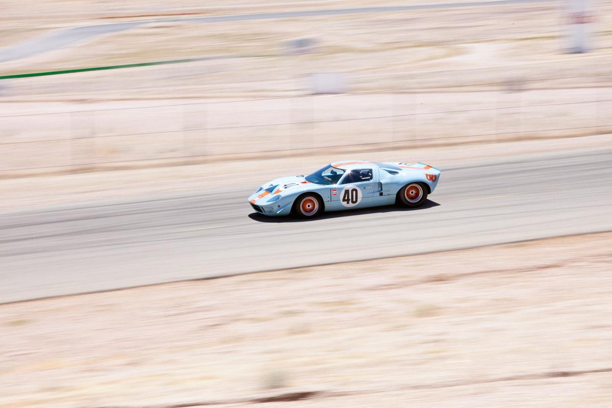 Ford GT40 auf der Rennstrecke