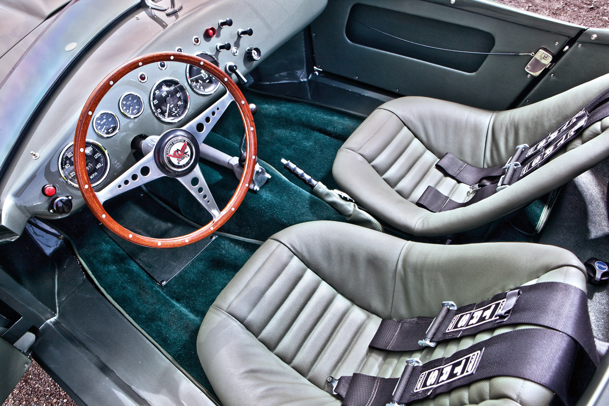 Cockpit des Arnolt Bristol