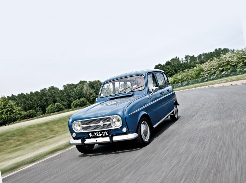 Renault 4 fahrend