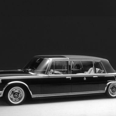 Mercedes-Benz Typ 600 (Baureihe W 100, 1964 bis 1981). Das 1965 für den Vatikan gelieferte Pullman-Landaulet.