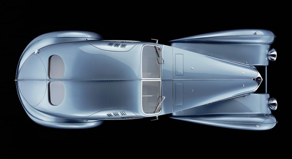 Bugatti 57 Atlantic aus verschiedenen Perspektiven sowie Detailansichten