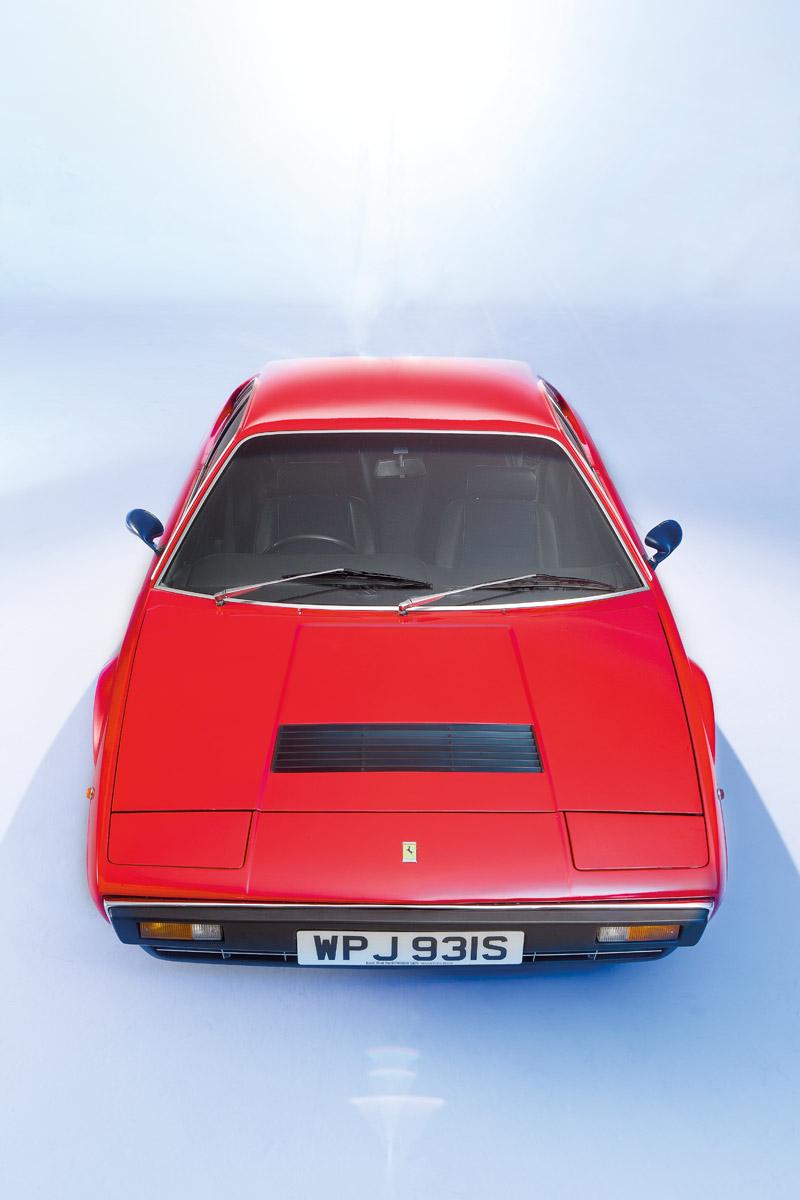 Ferrari Dino 308 GT4 frontal und Cockpit sowie Dino 246 GT frontal